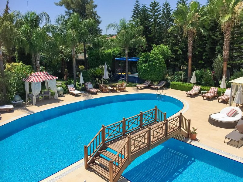Sofia Residence - Two Bedroom Apartment, holiday rental in Camyuva