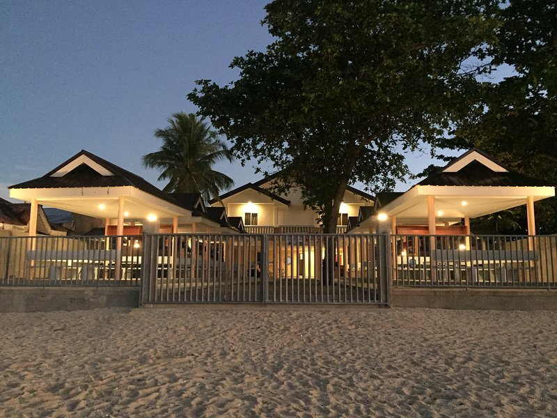 Cawit Resort and Cafe (Standard Room 5), vacation rental in Camotes Islands