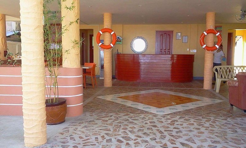 Cawit Resort and Cafe (Standard Room 3), holiday rental in Poro Island