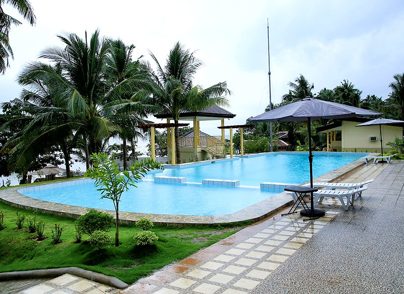 Moabog Reef and Resort (Deluxe Room 3), vacation rental in Camotes Islands