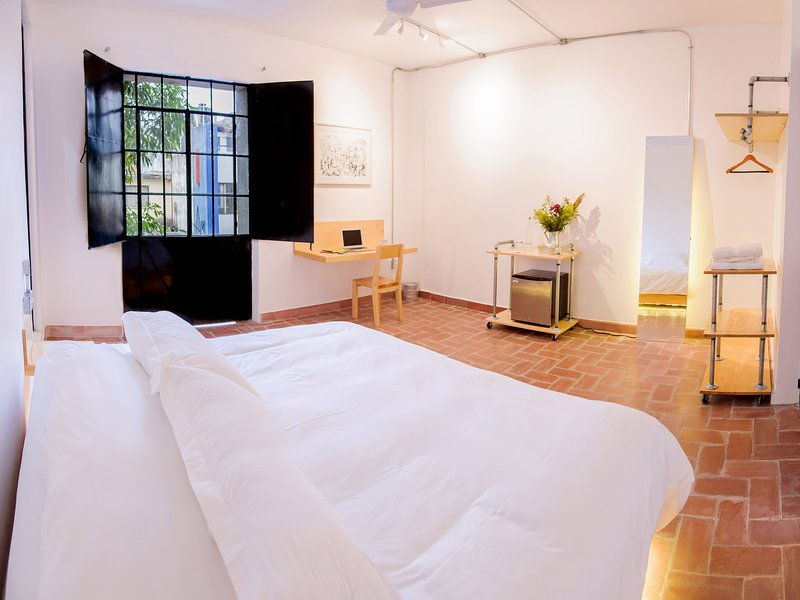 Agrado Guest House - Master Suite Balcony 02, holiday rental in Tlalixtac de Cabrera