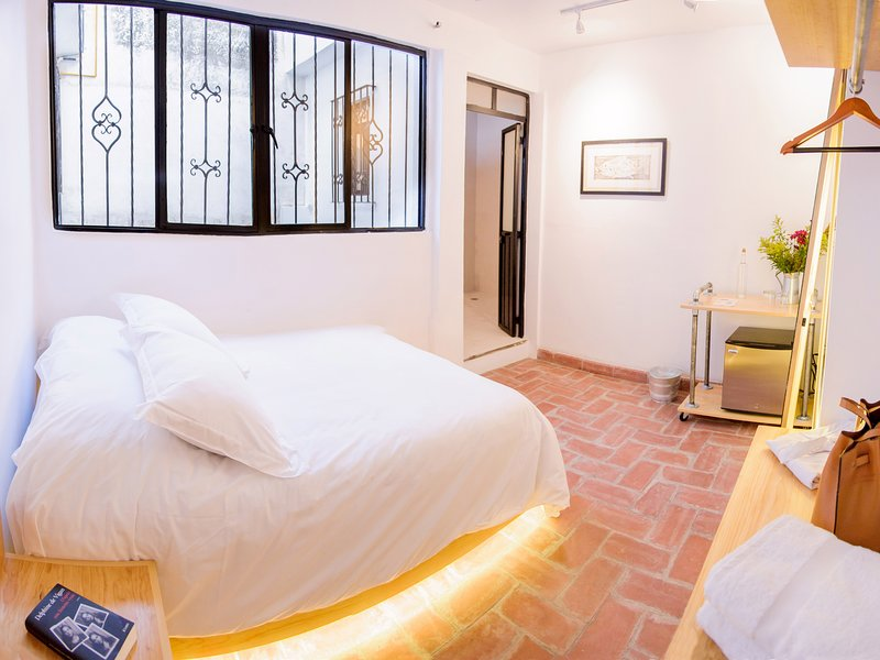Cozy single room. Agrado Guest House, holiday rental in Tlalixtac de Cabrera