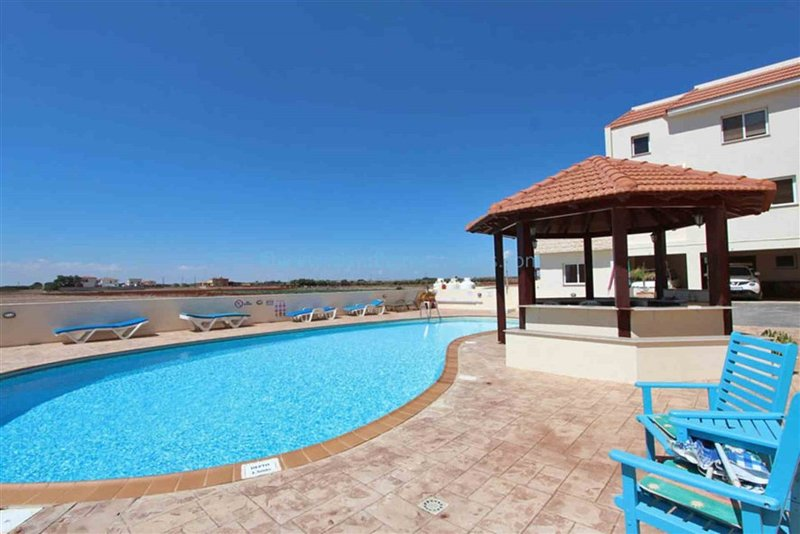 Relax around the beautiful swimming pool and enjoy the panoramic stunning and tranquil countryside.