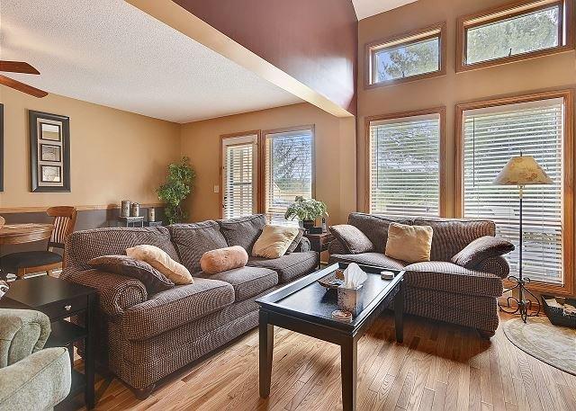 New Rental! Comfort, Convenience, Affordable and More! Altitude Adjustment!, aluguéis de temporada em Vale do Canaã
