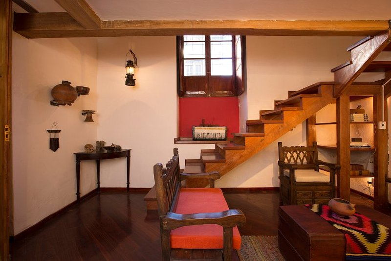 Casa LunaLoma - Colonial Boutique Loft 'Chimborazo' - Quito Centro Colonial, casa vacanza a Sangolqui