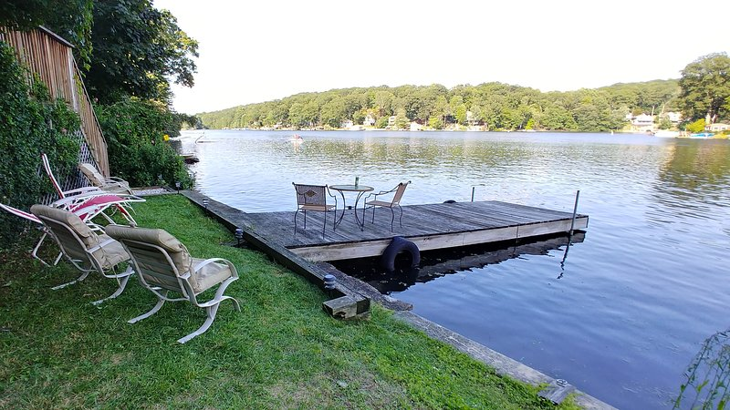 Come and relax on the grass or your dock for your stay.