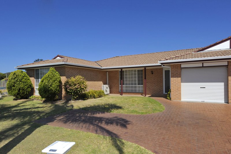 Reef Close, 1/2, vacation rental in Fingal Bay