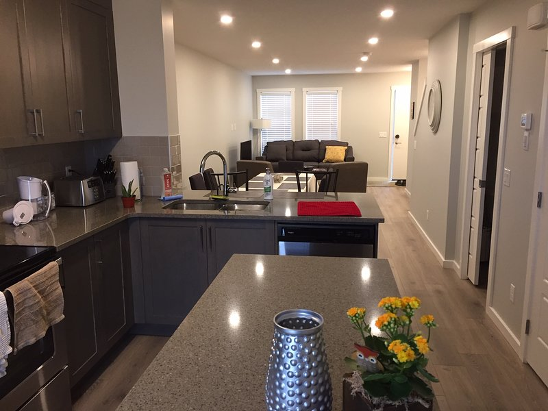 Beautiful Town House In Seton Calgary SE, By The South Health Campus Hospital, holiday rental in Foothills County