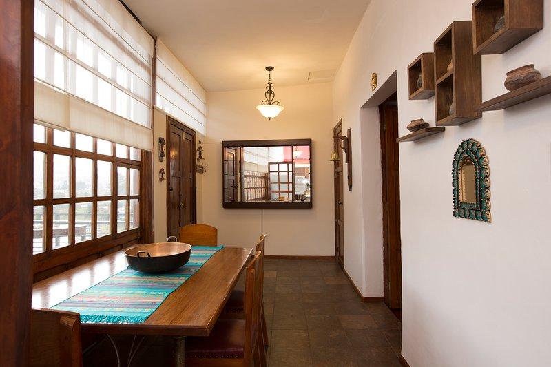 Casa LunaLoma - Colonial Boutique Apartment 'Imbabura' - Quito Centro Colonial, casa vacanza a Sangolqui