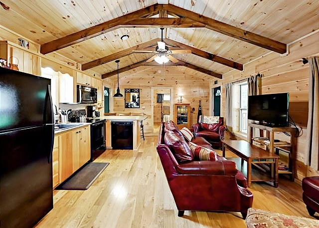 1st Cabin: Living Area