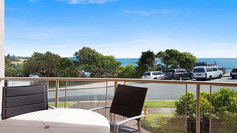 Seacrest Unit 1 Moffat Beach QLD, vacation rental in Dicky Beach