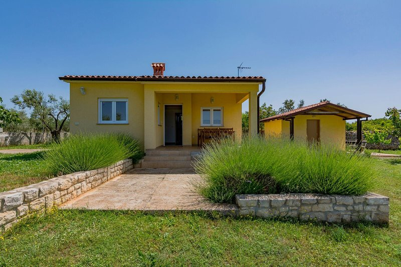 House 12375, vacation rental in Fazana