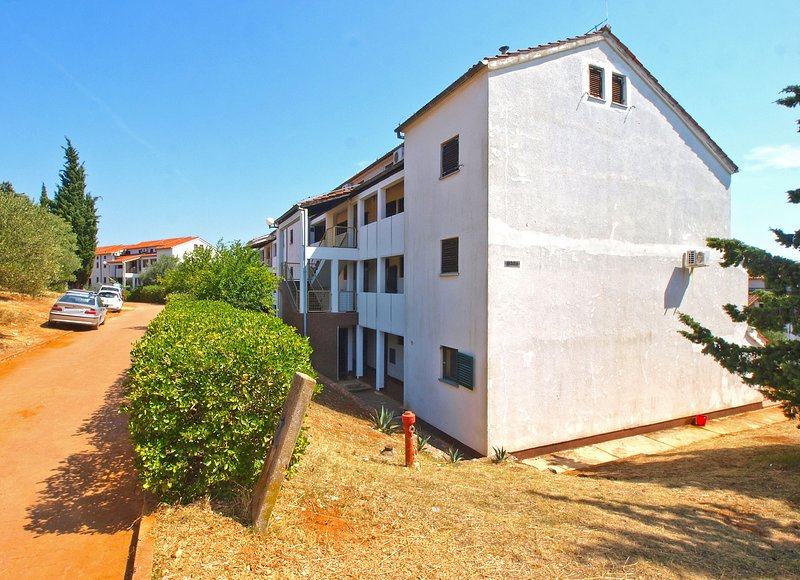 Apartment 13389, holiday rental in Pavicini