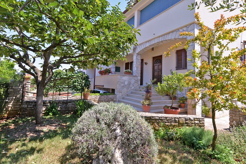 Apartment 10650, holiday rental in Stinjan