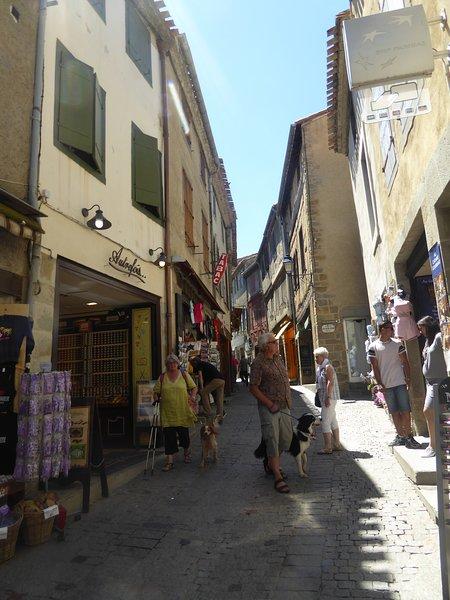 Einkaufen in der Cité