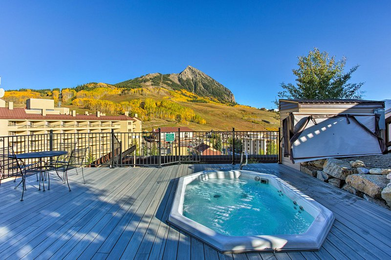 NEW! Updated Mt Crested Butte Condo-Walk to Resort Chalet in Crested Butte