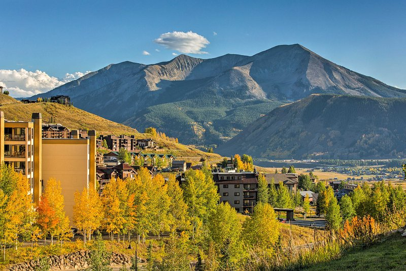Start planning your next Centennial State getaway around this beautiful condo!