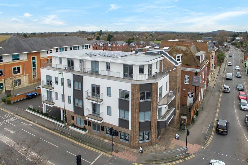 MILTON HOUSE #MH1, holiday rental in Surrey
