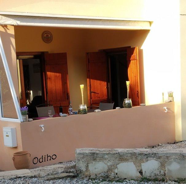 Odiho Gavalomouri, location de vacances à Nteres