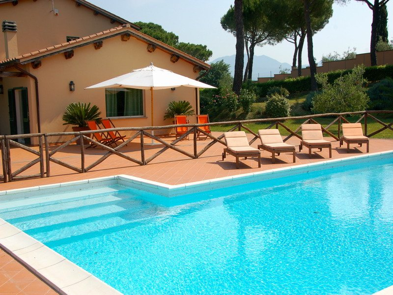 Villa with private pool near Magliano Sabina, location de vacances à Poggiolo