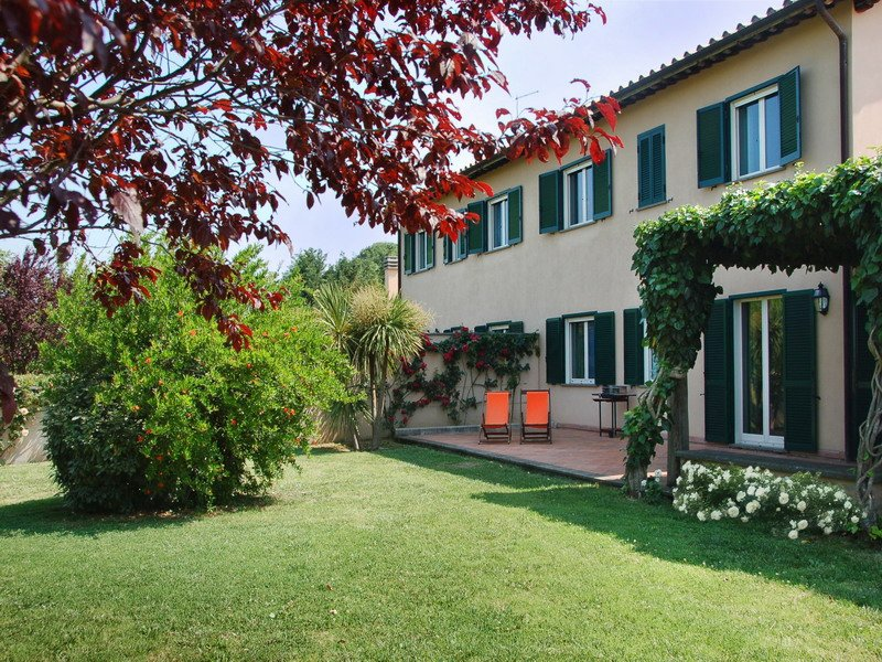 Villa with private pool and shared tennis court between Lazio and Umbria, location de vacances à Poggiolo