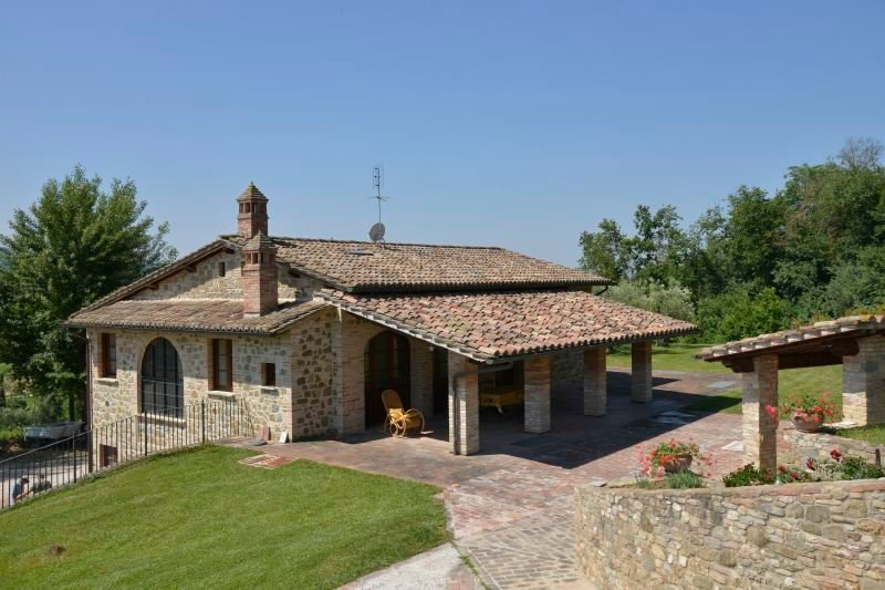 Torgiano Villa Sleeps 8 with Pool Air Con and WiFi - 5218559, location de vacances à Torgiano