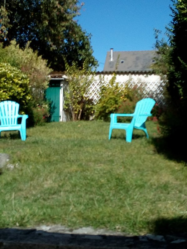 Charming garden closed and not overlooked Cool Live the holidays