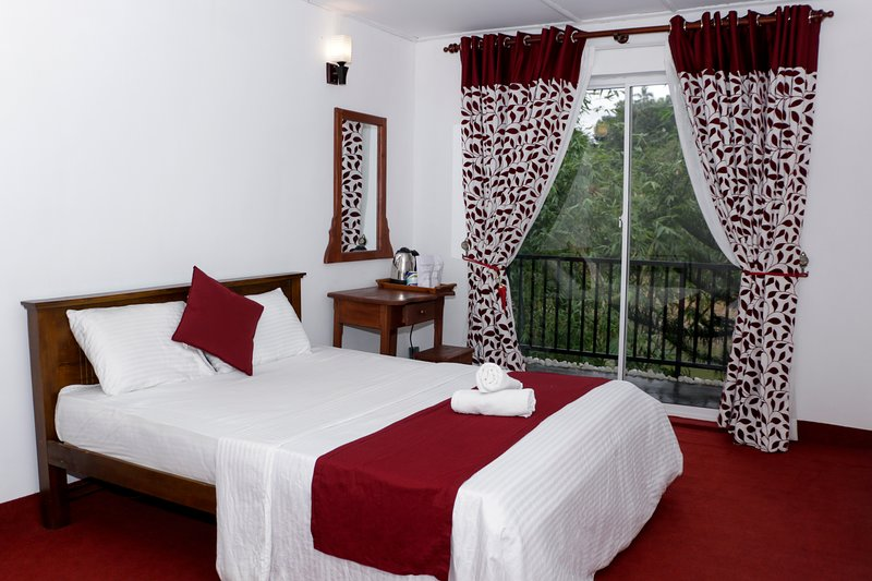 RiverView Lodge Kandy, holiday rental in Wattegama