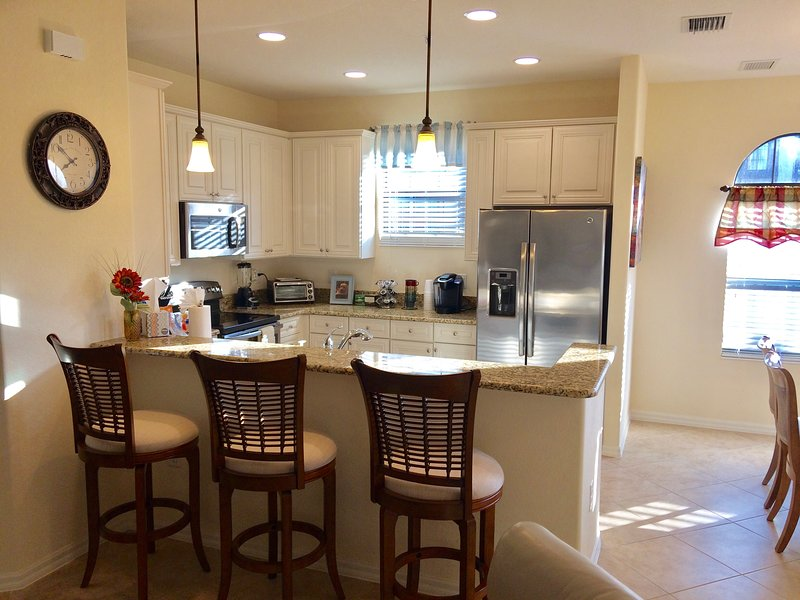 Kitchen with all upgraded features, granite countertops