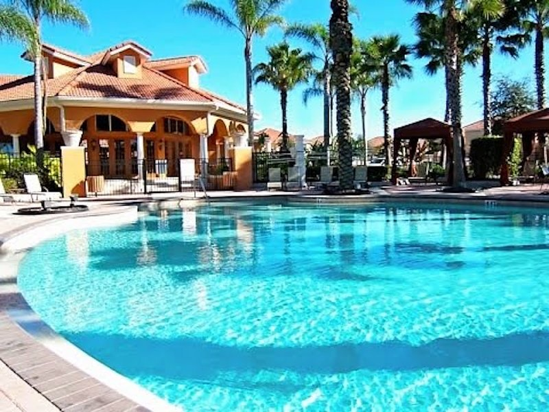 Sanitized, Spacious, Private Pool/Spa, Wifi, Gated Resort with Amenities for All, vacation rental in Orlando