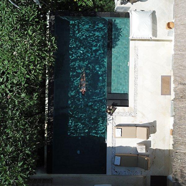 SUNGAI JUNGLE VILLA II: 5* fully-staffed 1-3 bedroom exclusive-use villa in Bali, holiday rental in Buduk