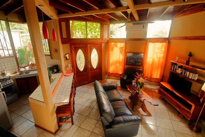 Las Cascadas The Falls - Deluxe One Bedroom Condo, vacation rental in Quepos