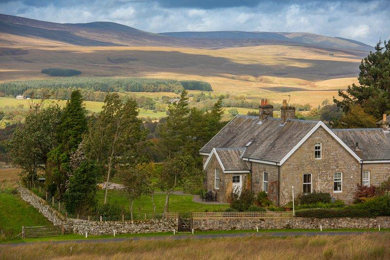 Yethouse ligt op een eigen terrein en wordt omringd door een prachtig uitzicht