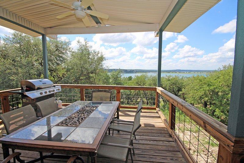 Venez vous détendre et profiter de la vue - SkyRun gère avec fierté des maisons de vacances de premier choix à Canyon Lake et dans les environs