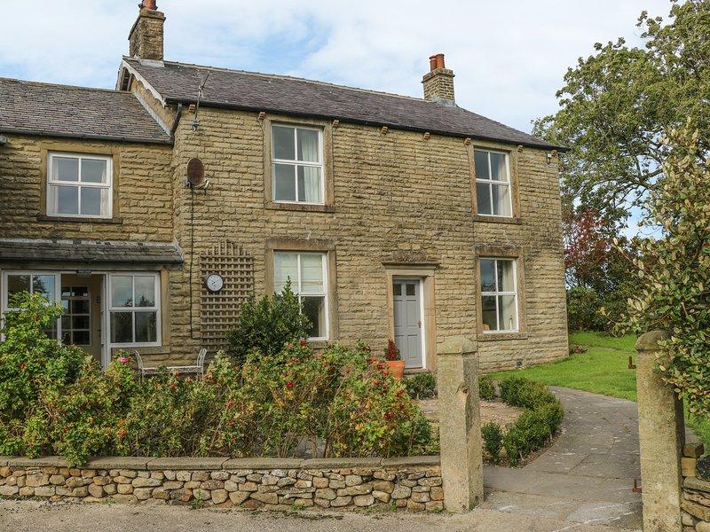 COARS FARM, bath, WIFI, en-suite bathroom, near Wigglesworth,  Ref 965558, holiday rental in Bolton by Bowland