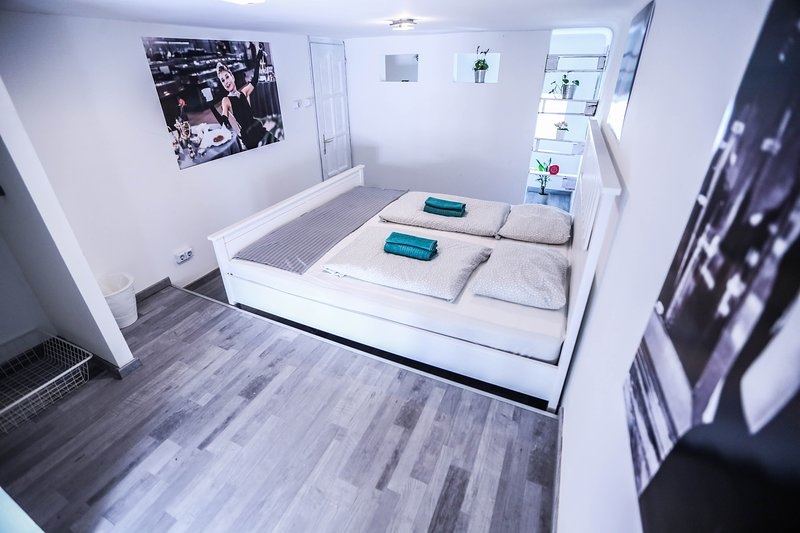 Friend's CineMax UPDATED 2019: 3 Bedroom Apartment in Budapest with