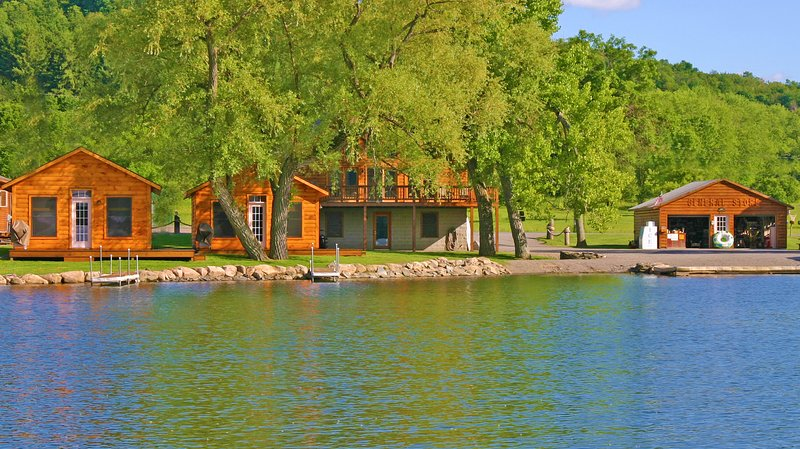 DeRuyter Lake Cottage Rentals, location de vacances à South Otselic