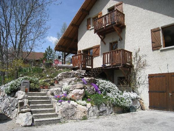 Nice apartment with mountain view, vacation rental in Chamaloc