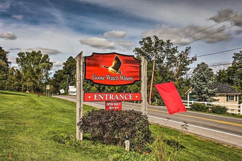 ¡Disfruta del fácil acceso a bodegas, cervecerías, campos de golf, senderos de queso y mucho más!