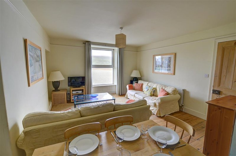 Middle Apartment: self-contained apartment at Barmouth WAH587, location de vacances à Arthog