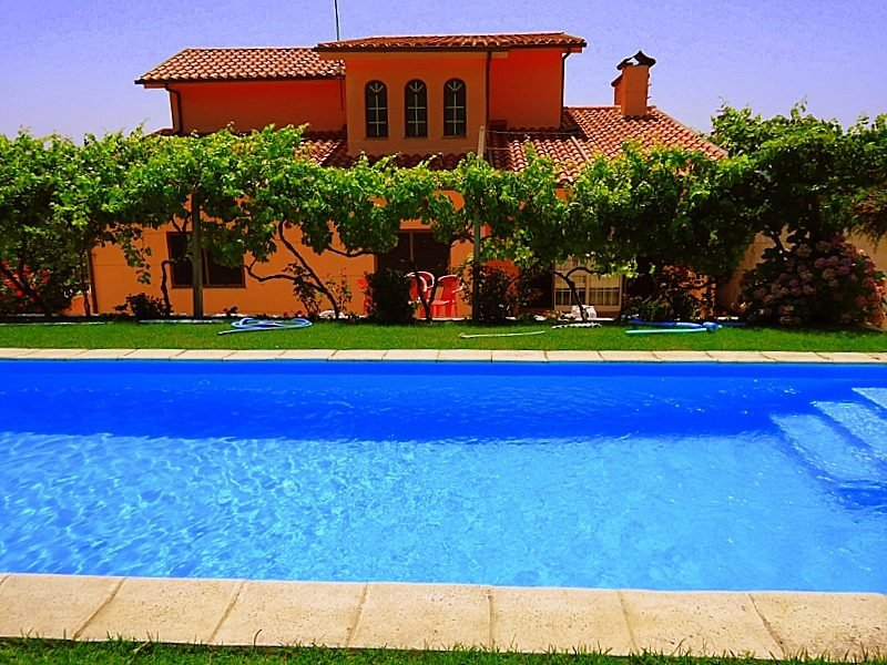 Big villa with swimming-pool & Wifi, holiday rental in Vila Real District