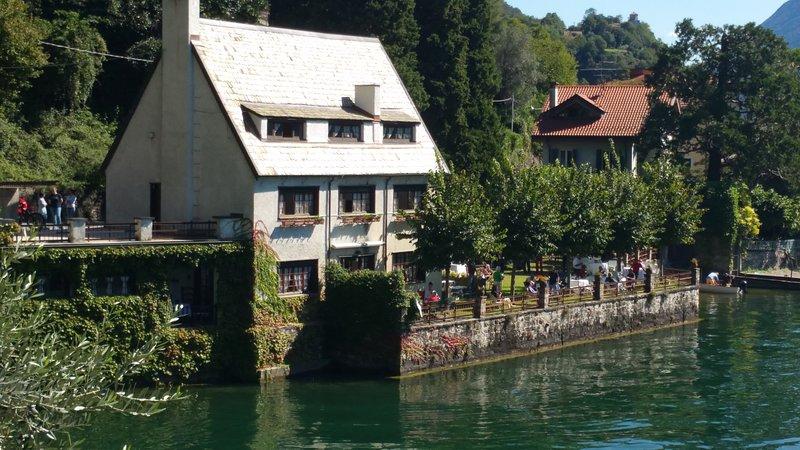 Appartamento su due piani in Villa Maymagon, vacation rental in Province of Como