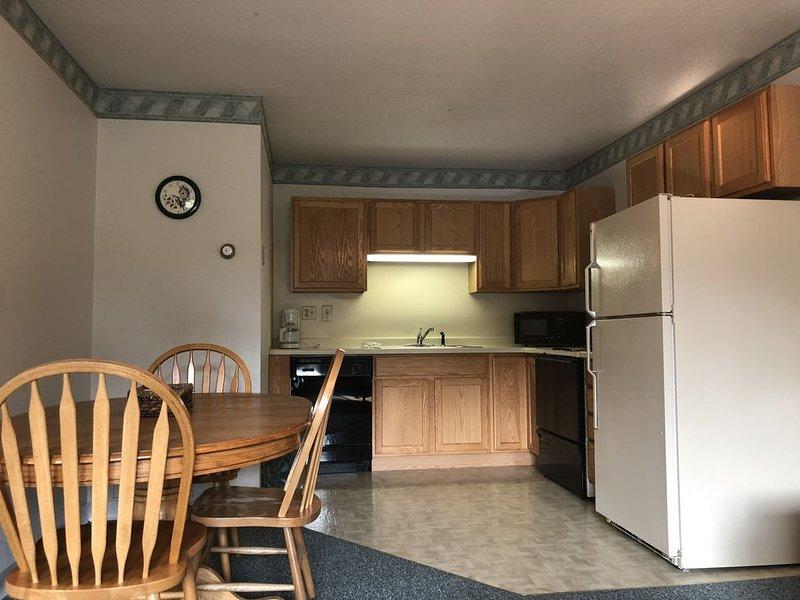 Trails Inn Quadna Mountain-Motel & RV Campground Room 212, aluguéis de temporada em Grand Rapids