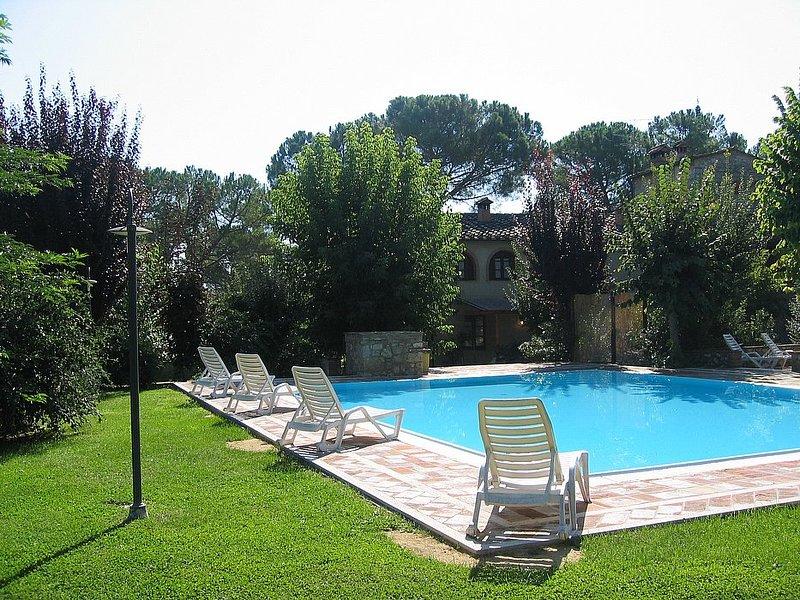 Villa Saveria E, Ferienwohnung in Colle di Val d'Elsa