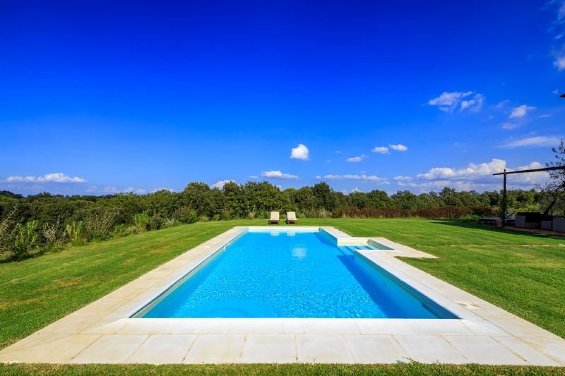 Buonconvento Villa Sleeps 10 with Pool Air Con and WiFi - 5502842, holiday rental in Bollano