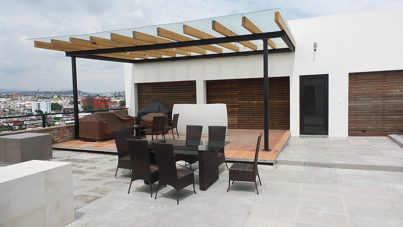 SENZA SUITES & LOFT´S Puebla Best Area Angelópolis Two bedroom Luxury apartment., holiday rental in Nativitas