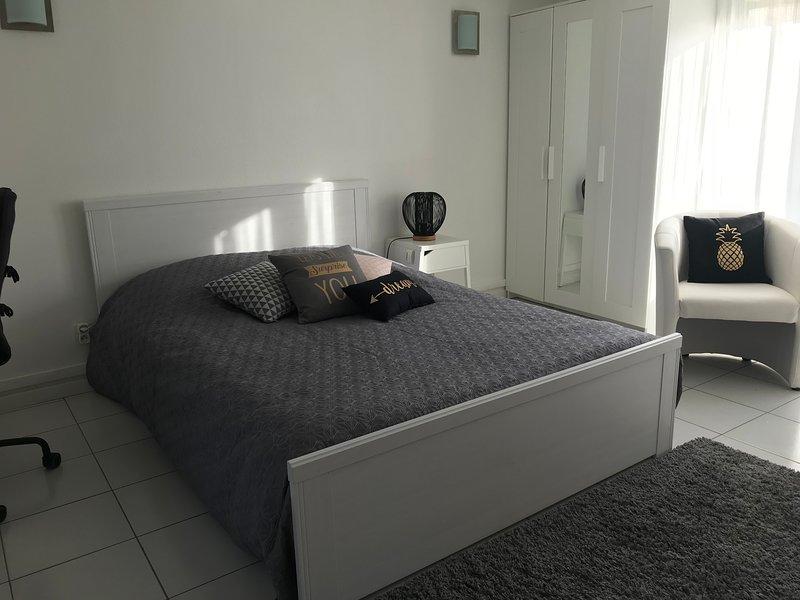 Appartement 36m2 Calme à proximité de Dijon et 10 min autoroute, vacation rental in Genlis