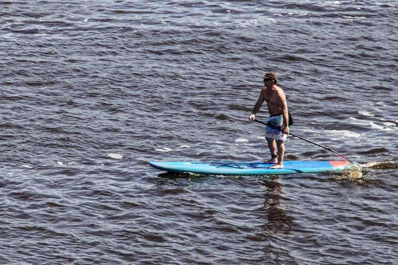 The place also offer outdoor activities like paddle boarding.