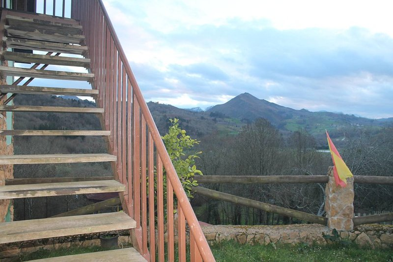 Beautiful apt with mountain view, holiday rental in Romillo