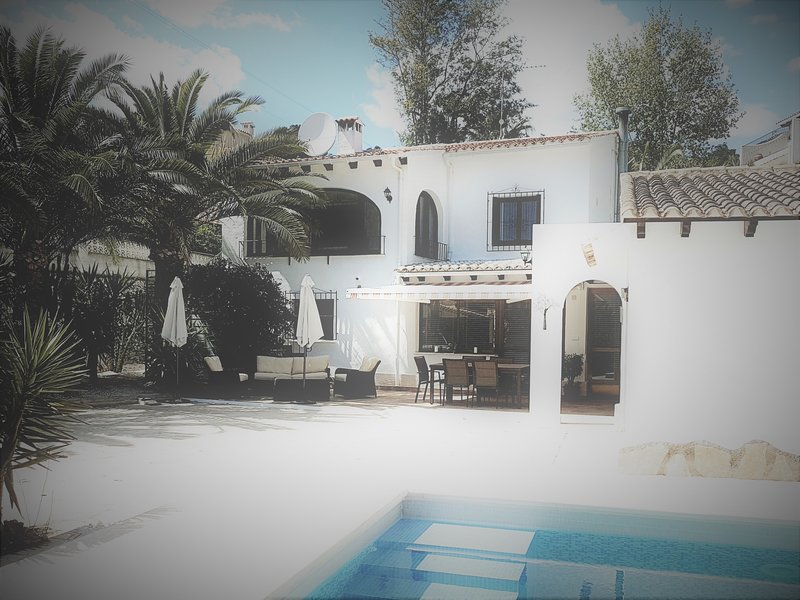 Newly renovated villa apartment.Private pool for your exclusive use. Summer kitchen,dining & seating
